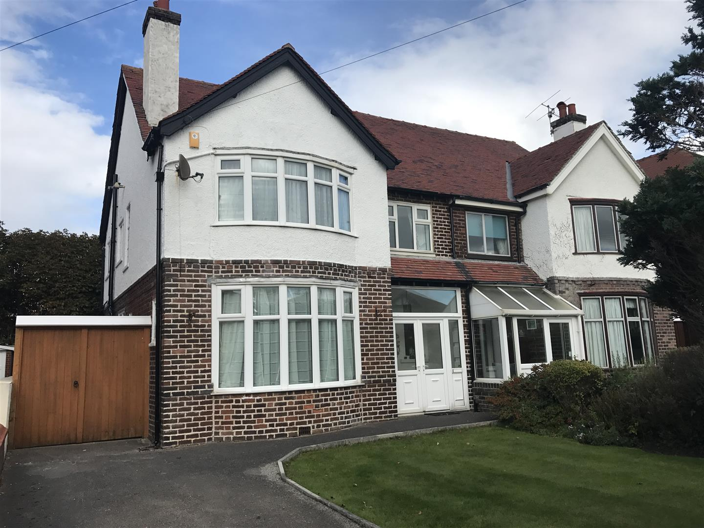 3 Bedrooms Semi Detached House for sale in Laverton Road, Lytham St. Annes